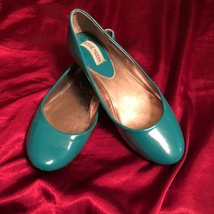Steve Madden turquoise patent leather flats